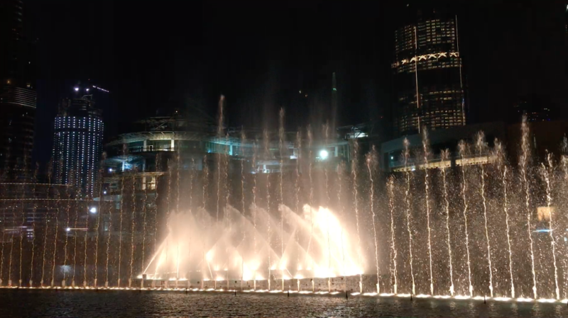 Photo of dubai fountains lit up at night